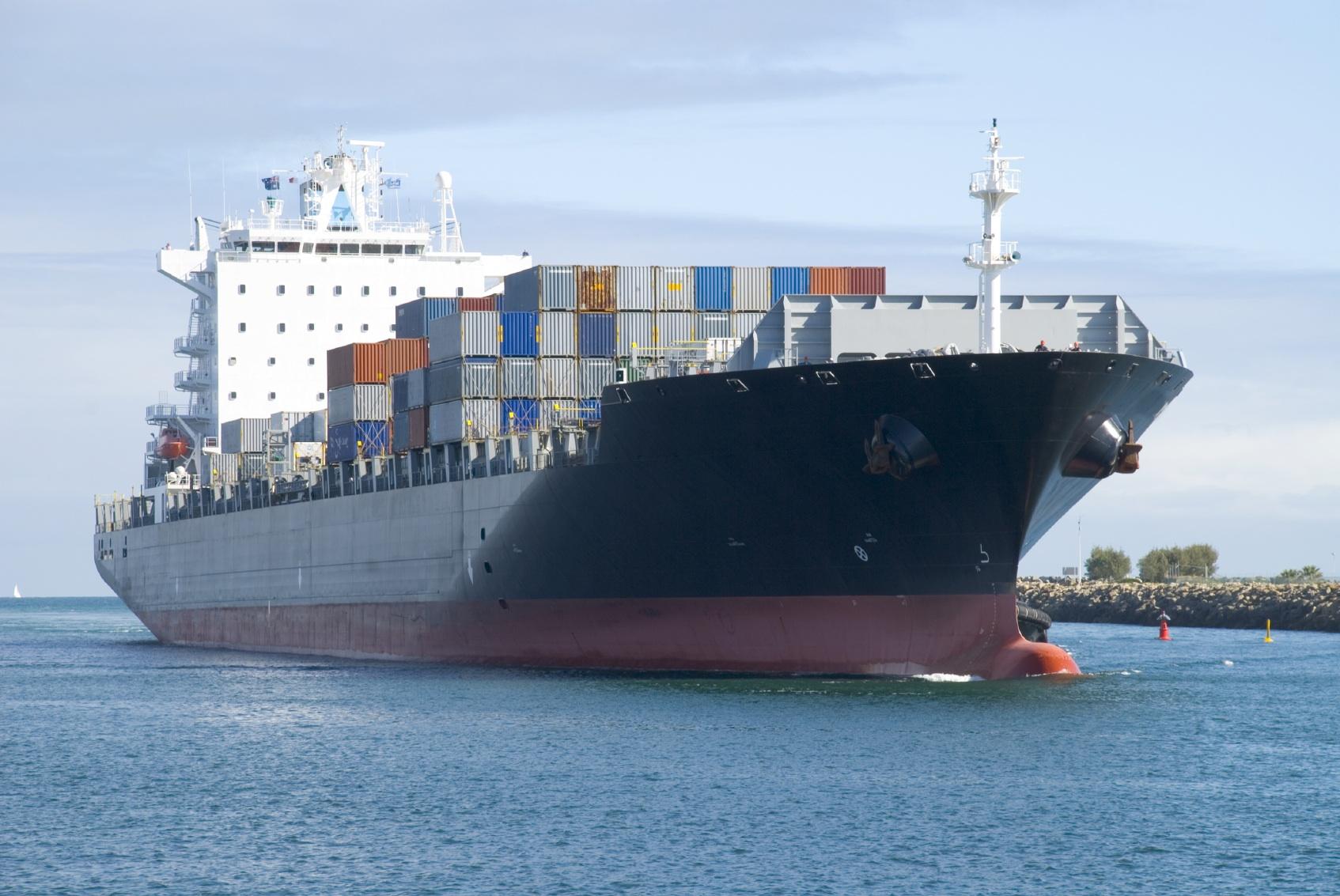 морски транспорт и контейнерен транспорт