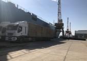 Натоварване на слама на бали на РОРО кораб От Фламиго Шипинг ЕООД